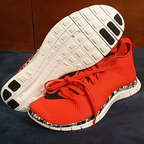 low cost 48bb3 1bca3 Nike Free HyperVenom 2 747139-600 Mens Shoes Red B